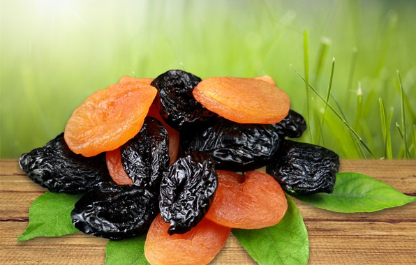 Picture greens, grass, leaves, background, plum, bokeh, dried apricots, dried fruits