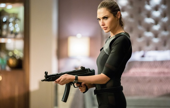 Picture Gal Gadot, Gal Gadot, 2016, The spy next door, Keeping Up with the Joneses