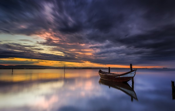 Picture night, lake, boat