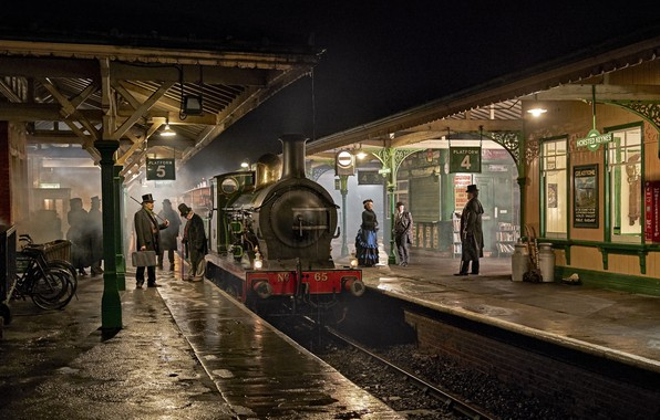 Picture retro, people, England, the engine, station, the platform