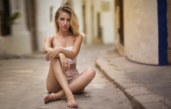 Picture look, pose, street, shorts, home, makeup, figure, tattoo, hairstyle, blonde, topic, legs, beauty, sitting, bokeh, …