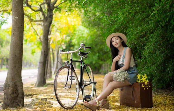 Picture girl, bike, Park, suitcase, Asian
