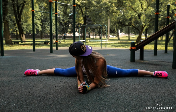 Picture girl, trees, Park, sport, Mike, gloves, cap, brown hair, fitness, twine, sneakers, stretching, Playground, leggings, …