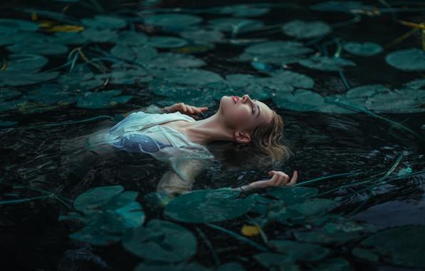 Picture leaves, water, girl, lake, pond, the situation, Pavel Mylnikov, Maria Savitskaya