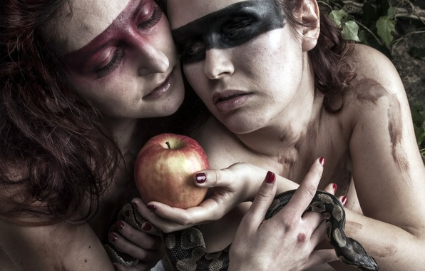Picture girls, Apple, snake