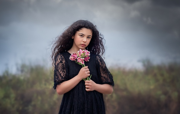 Picture clouds, bouquet, girl, Storm Clouds And Flowers
