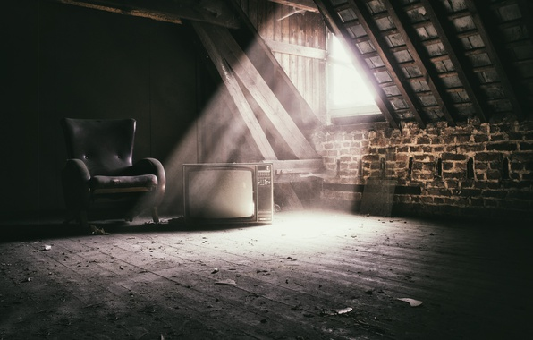 Picture light, chair, TV, attic