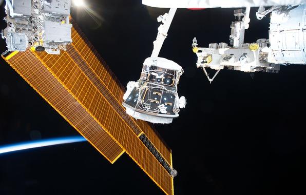 Picture orbit, ISS, NASA, solar battery