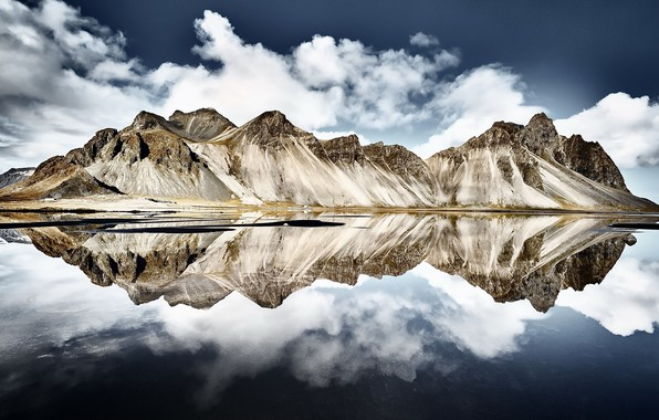 Picture reflection, iceland, Vestrahorn Islande