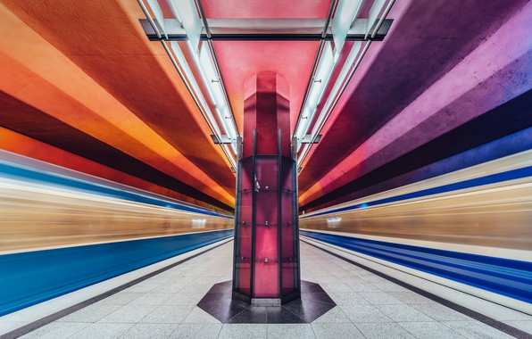 Picture underground, long exposure, metro station