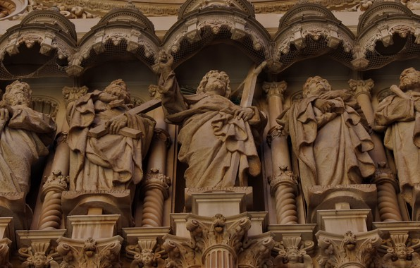 Picture marble, architecture, statues, the apostles