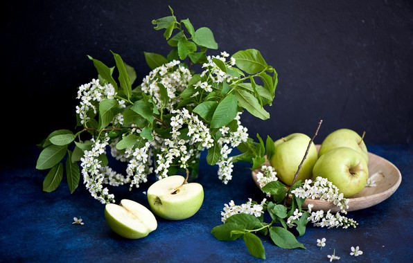 Picture flowers, apples, twigs