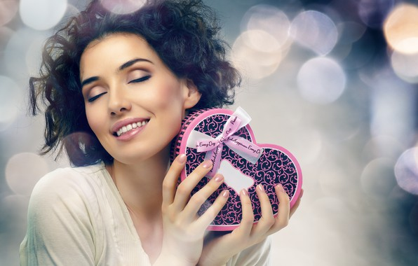 Picture smile, glare, background, mood, box, gift, heart, makeup, brunette, hairstyle, beauty, Valentine's day, ribbon