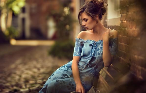 Picture girl, street, building, dress, neckline, brown hair, Maarten Quaadvliet
