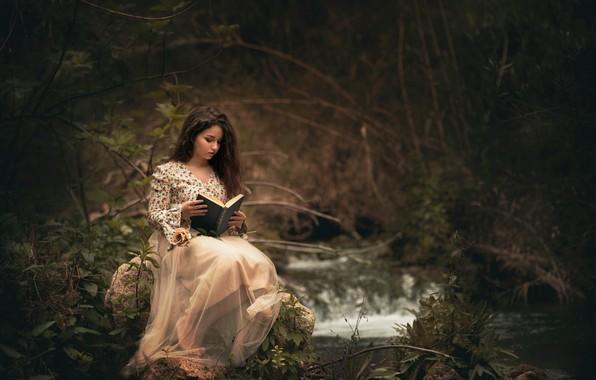 Picture forest, girl, book, reading, Carmen Gabaldon