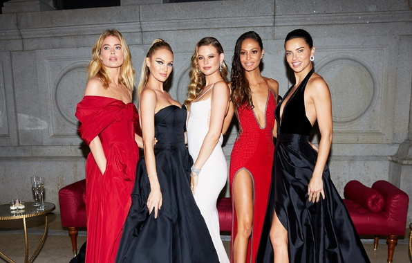 Picture Doutzen Kroes, Adriana Lima, models, Candice Swanepoel, jewelry, Behati Prinsloo, Joan Smalls, decollete, evening dress, …