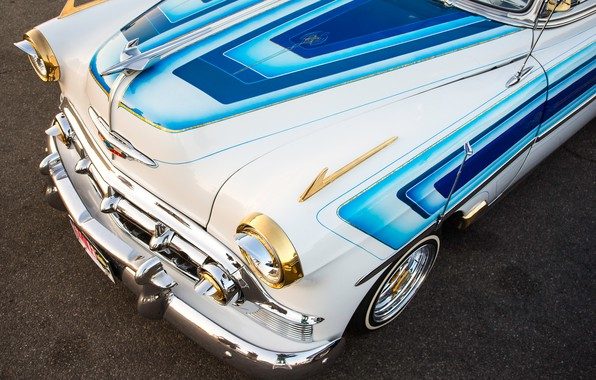 Picture the hood, 1953, Chevy, The front