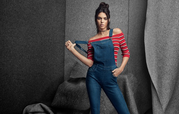 Picture pose, background, model, makeup, figure, brunette, hairstyle, beauty, jumpsuit, jeans, Kendall Jenner, Kendall Jenner