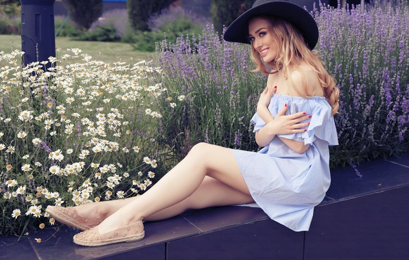Picture look, girl, flowers, model, chamomile, makeup, blonde, hat, long hair, lavender