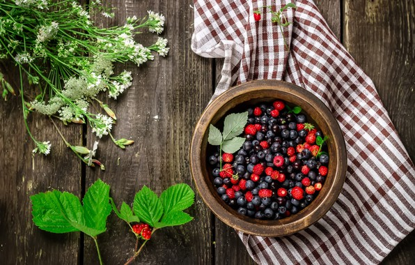 Picture summer, flowers, berries, raspberry, bouquet, blueberries, strawberries, wood, napkin