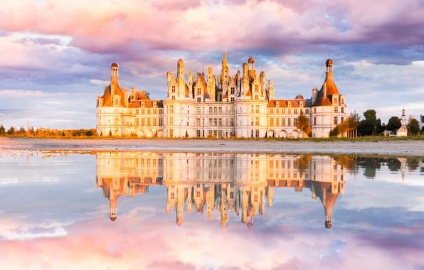 Picture castle, river, clouds, Chateau de Chambord