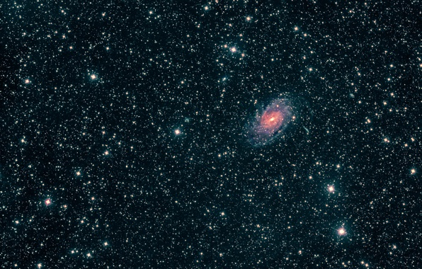 Wallpaper galaxy, Peacock, in the constellation, NGC6744