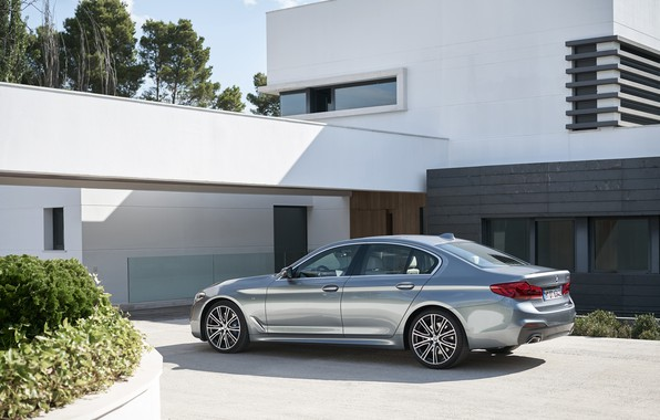 Picture the sky, house, vegetation, BMW, Parking, back, side view, flowerbed, facade, 540i, 5, M Sport, …