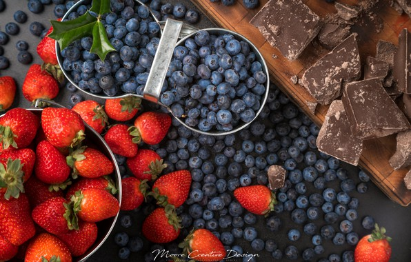 Picture berries, chocolate, strawberry, blueberries