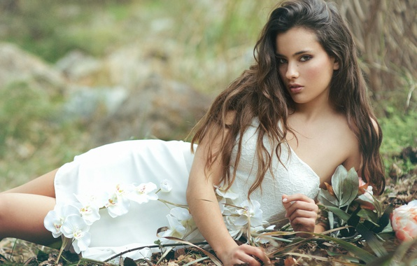 Picture dress, the beauty, brown-eyed, Beatriz Calderon