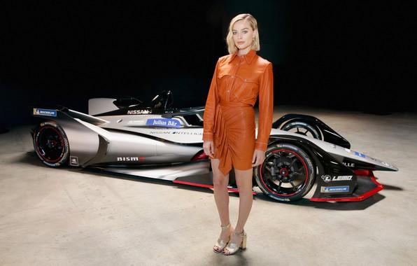 Picture blonde, legs, beauty, blonde, margot robbie, Margot Robbie, nissan formula e
