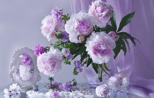 Picture pink, mirror, peonies, marshmallows