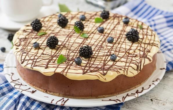 Picture berries, chocolate, cake, cream