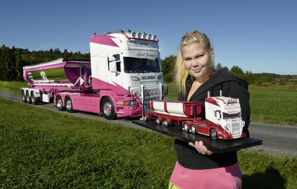 Picture look, girl, Girls, blonde, truck, Scania, vaseline, molel auto