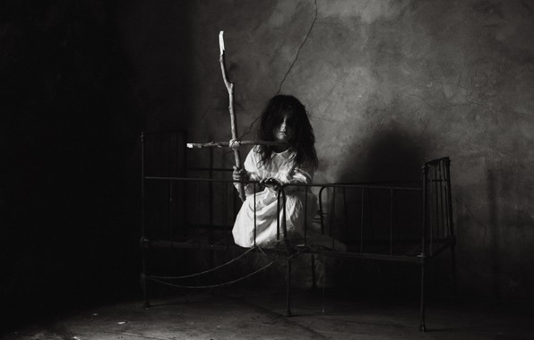 Picture room, girl, angel of death
