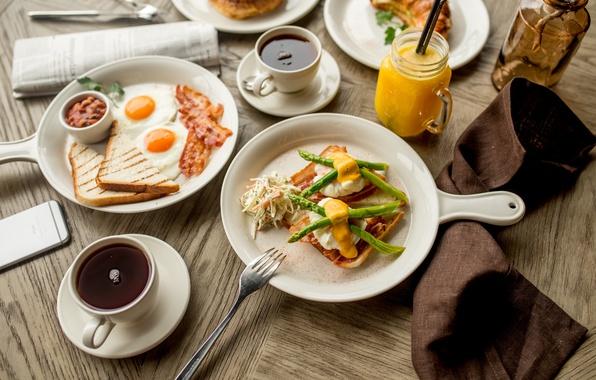 Picture tea, Breakfast, juice, scrambled eggs, bacon, toast, asparagus, mustard