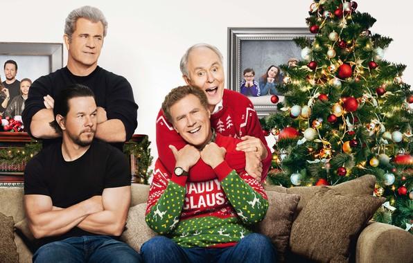 Picture Megan, Alessandra Ambrosio, Sarah, Christmas, Home, Men, Girls, tree, Family, Mark Wahlberg, Happy, Year, Karen, …