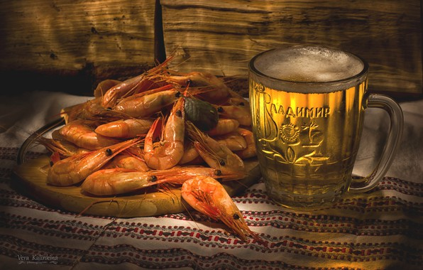 Picture glass, beer, shrimp