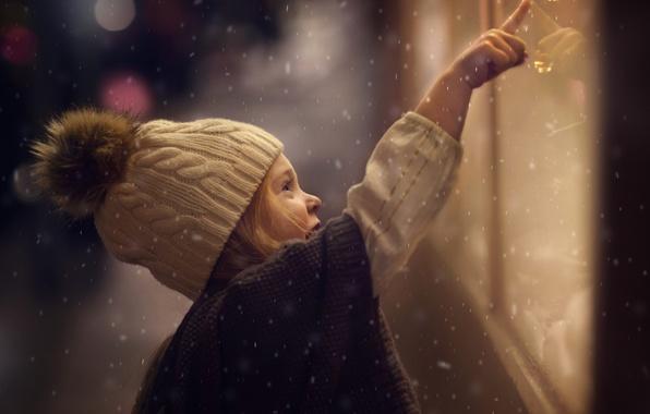 Picture winter, glass, light, snow, street, the evening, girl, bokeh, showcase