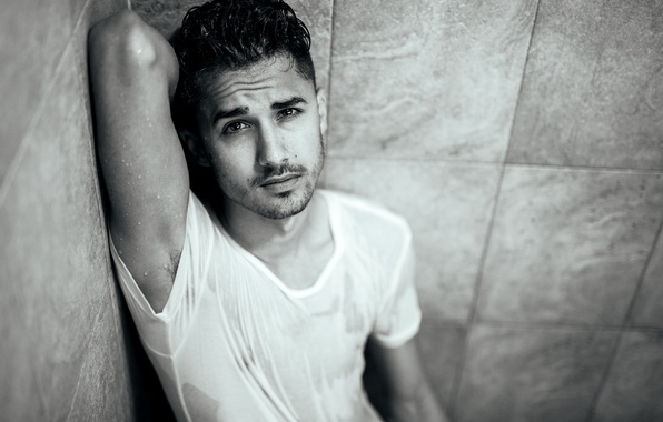 Picture look, shower, black and white, male, guy, Matt Duran
