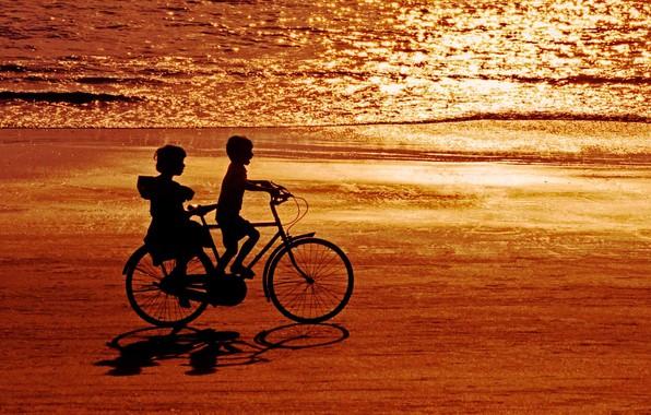 Picture sea, bike, children, shore, India, silhouette, Blik, Goa, Palolem beach