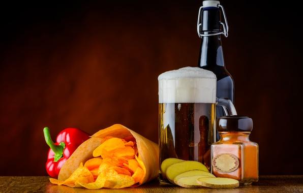 Picture foam, bottle, beer, mug, pepper, chips