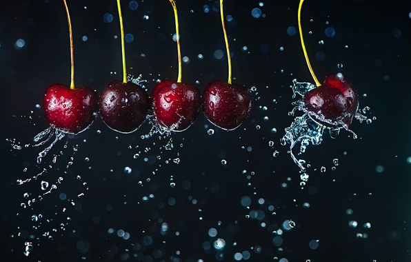 Picture movement, cherry, water drops, Newton's cradle