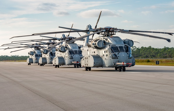 Picture the airfield, Sikorsky, CH-53K