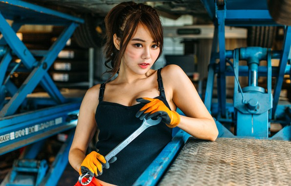 Picture girl, sexy, key, Asian, garage