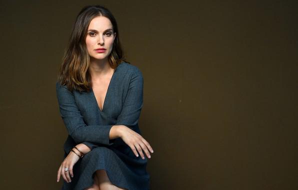 Picture look, pose, actress, Natalie Portman