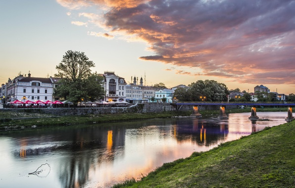 Picture bridge, home, the evening, Ukraine, Transcarpathia, Uzhgorod, Oh river