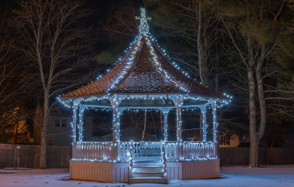 Picture lights, the evening, garland, gazebo