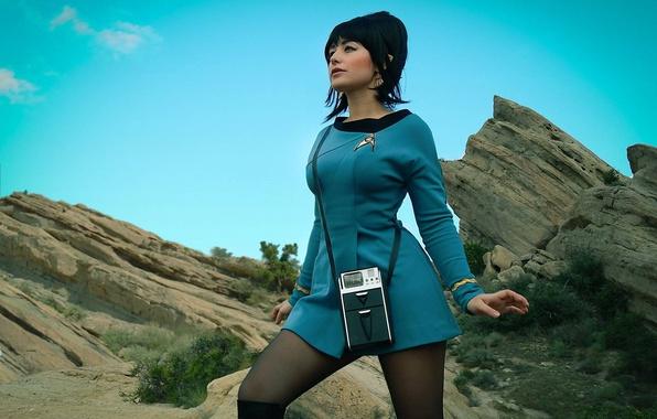 Picture girl, rock, Star Trek, dress, woman, cosplay, brunette, oppai, uniform, seifuku, TV series, Uhura, lofo