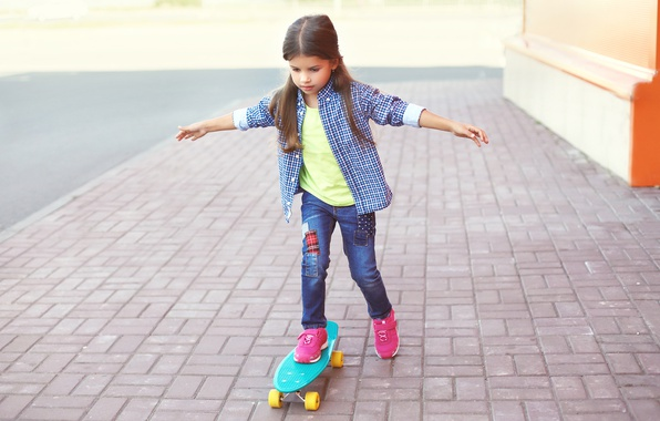 Picture street, child, jeans, hands, girl, shirt, walk, Skateboard, skateboard, Little girls