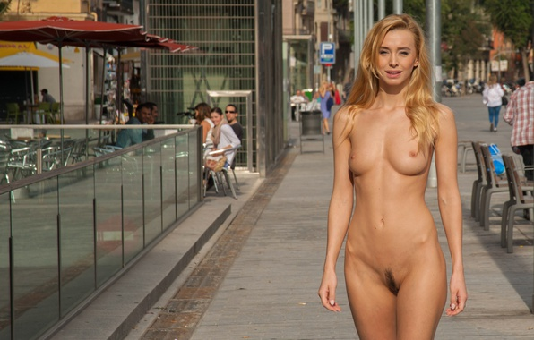 nacked-women-flashing-in-public
